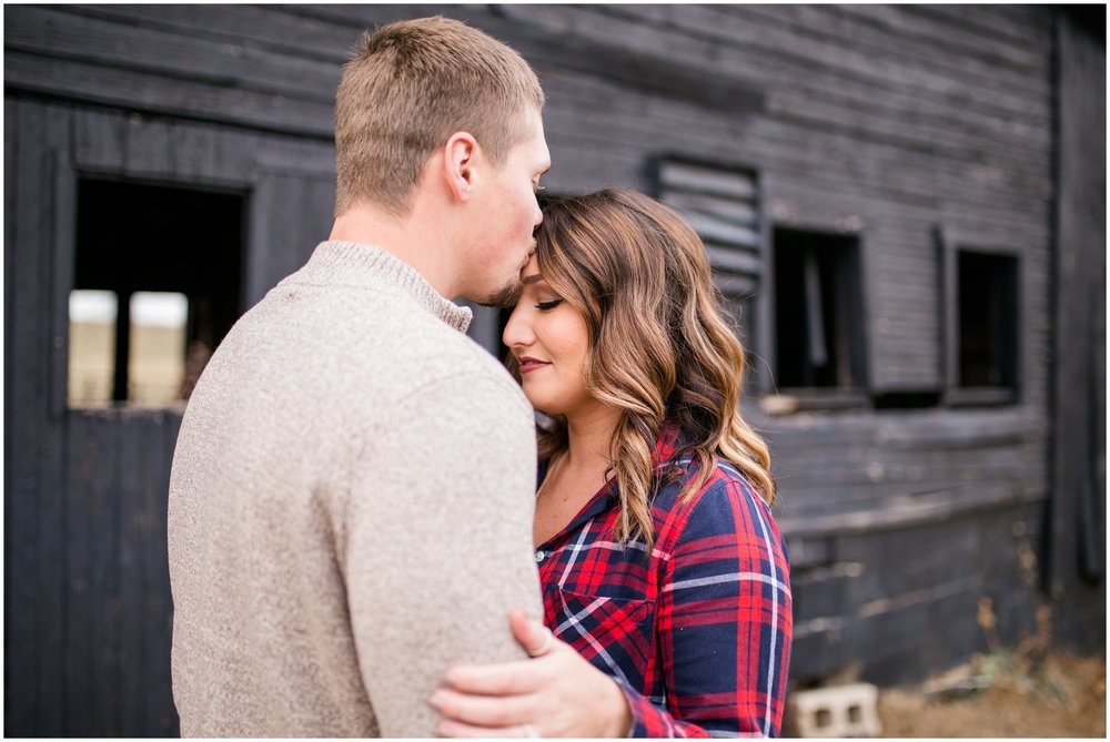 louisvlle-country-engagement-session_0094.jpg