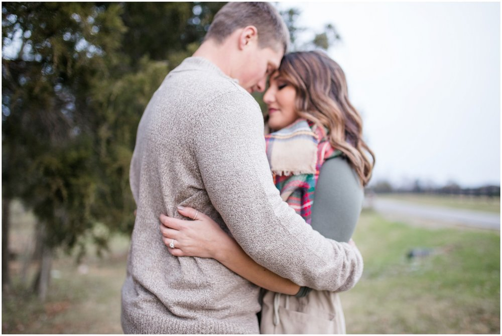 louisvlle-country-engagement-session_0105.jpg
