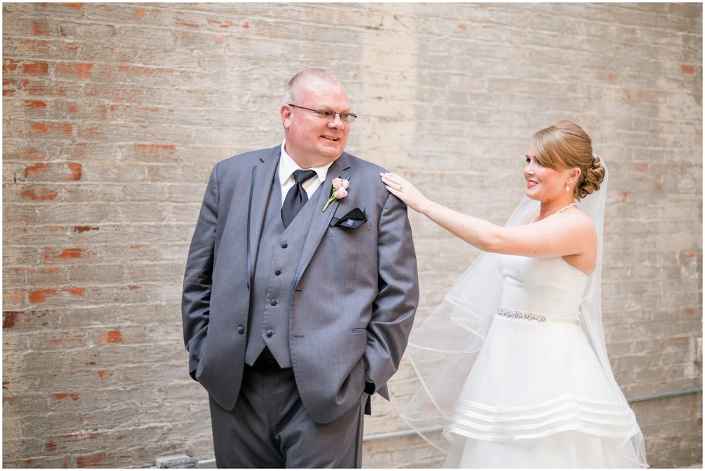 alyssa-jake-henry-clay-louisville-wedding_0033.jpg