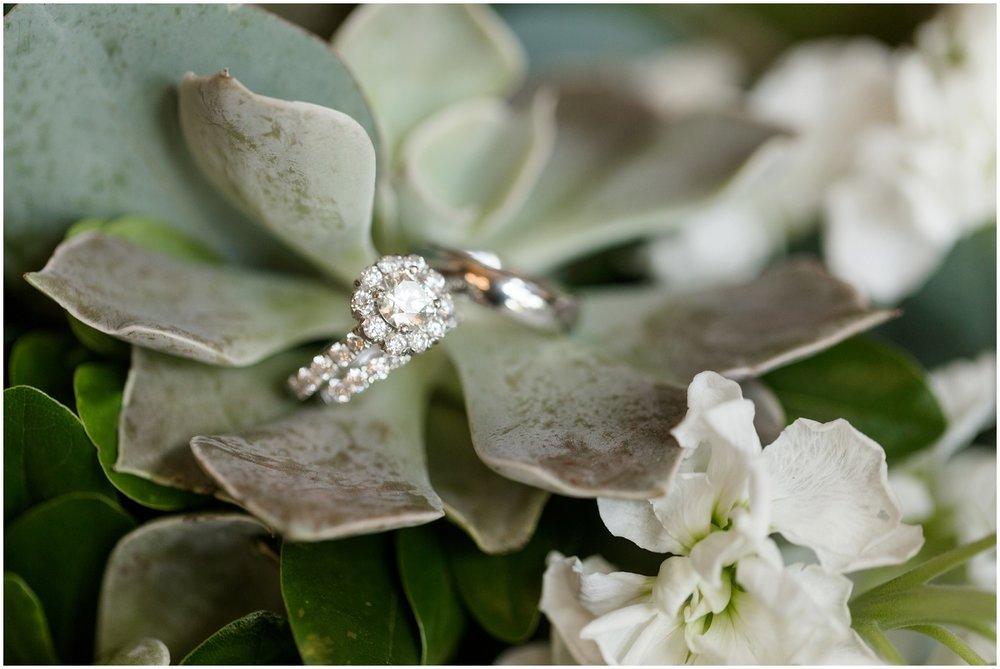 Megan-Adam-Gheens-Foundation-Lodge-Louisville-Wedding_0004.jpg