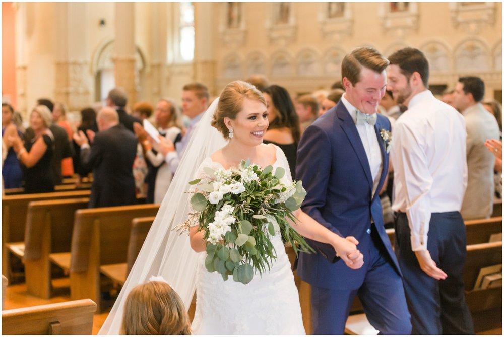 Megan-Adam-Gheens-Foundation-Lodge-Louisville-Wedding_0027.jpg