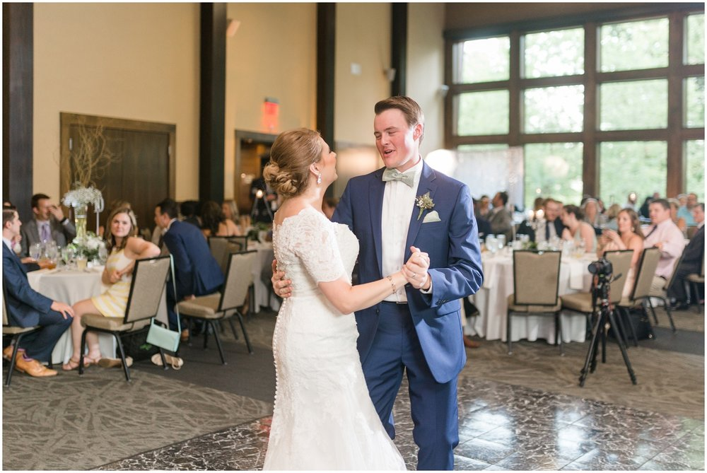 Megan-Adam-Gheens-Foundation-Lodge-Louisville-Wedding_0033.jpg