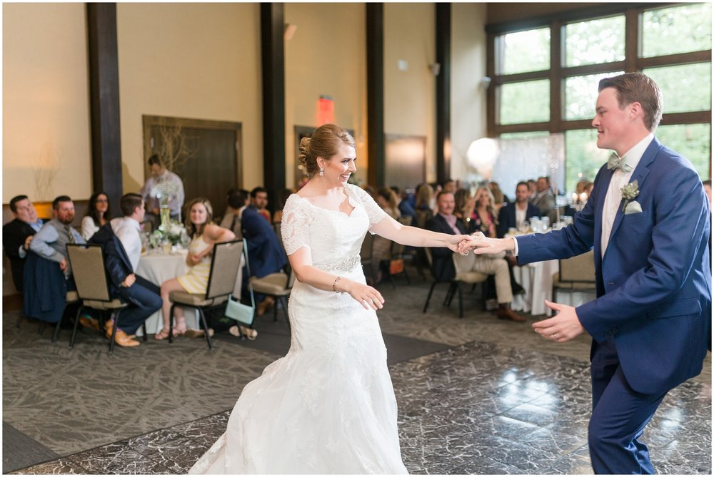 Megan-Adam-Gheens-Foundation-Lodge-Louisville-Wedding_0034.jpg