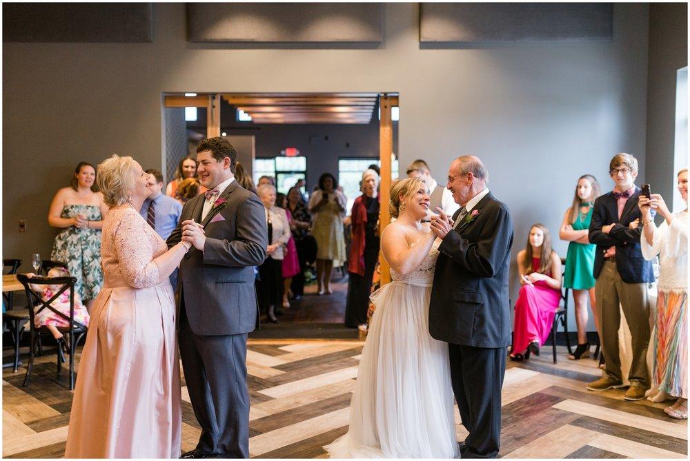 Andrea-Ben-Louvino-Louisville-Wedding_0018.jpg
