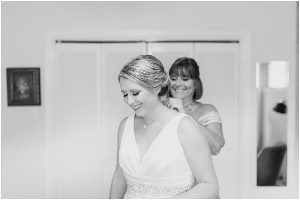 elizabeth-kris-lexington-country-club-wedding_0010.jpg
