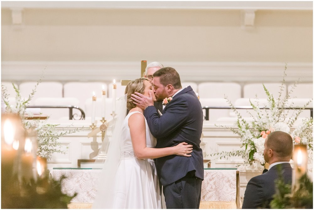 elizabeth-kris-lexington-country-club-wedding_0022.jpg