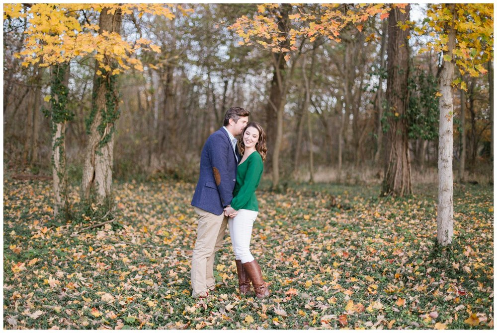 katie-rob-louisville-kentucky-engagement-session_0005.jpg