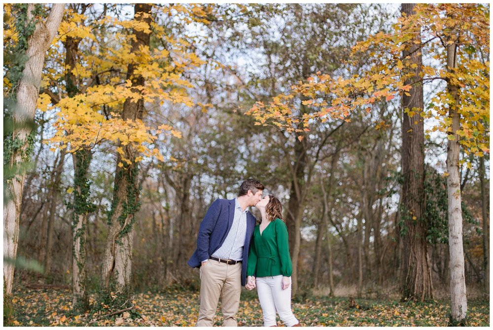 katie-rob-louisville-kentucky-engagement-session_0006.jpg