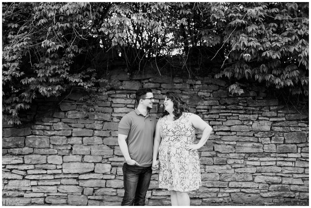 sawyer point park cincinnati engagement session_0006.jpg