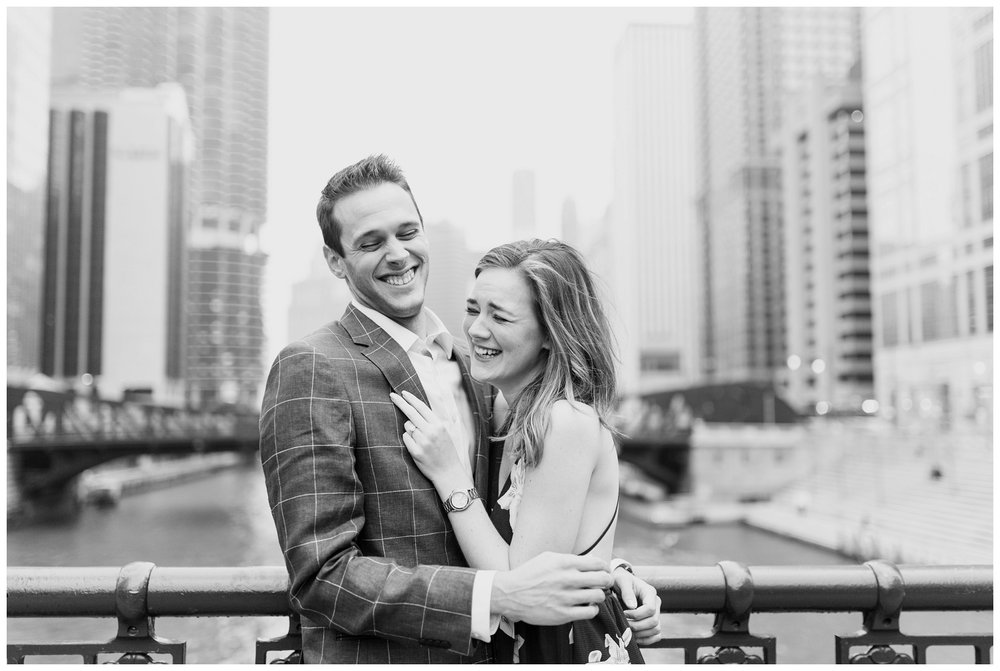 downtown chicago engagement session_0004.jpg
