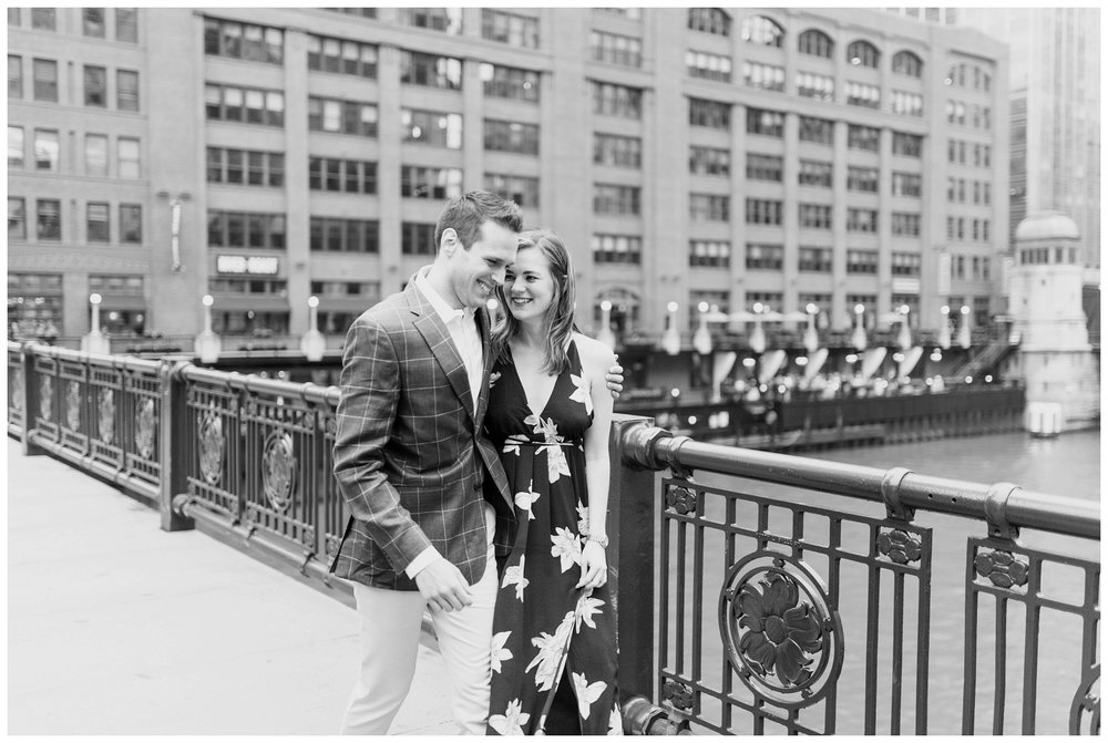 downtown chicago engagement session_0008.jpg