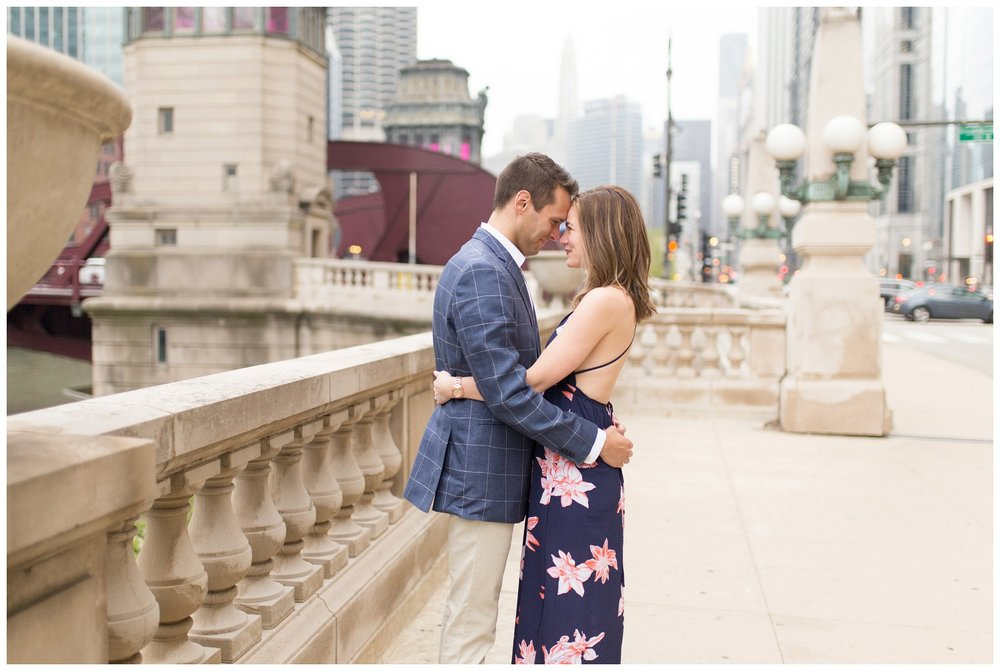 downtown chicago engagement session_0011.jpg