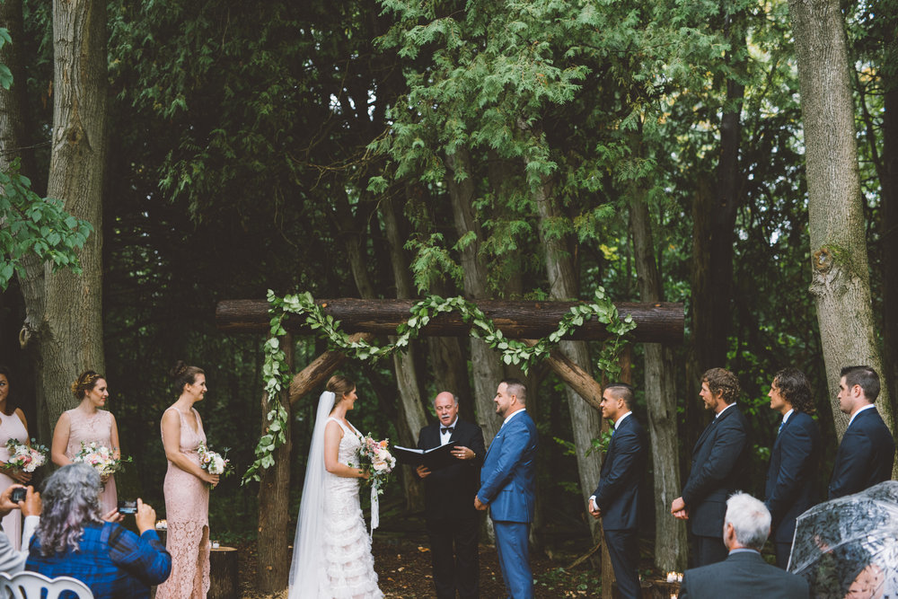 Rustic Backyard Wedding, Ontario wedding photographer Nikki Mills