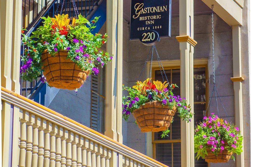 GastonStreet&ForsythPark_CapturingSavannah_ PhotographyTours_CameraExperiences_8.jpg
