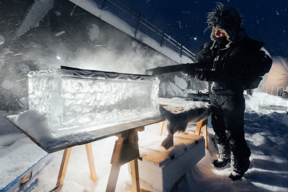 Ice Instrument Creator Bill Covitz battles heavy snow falls...