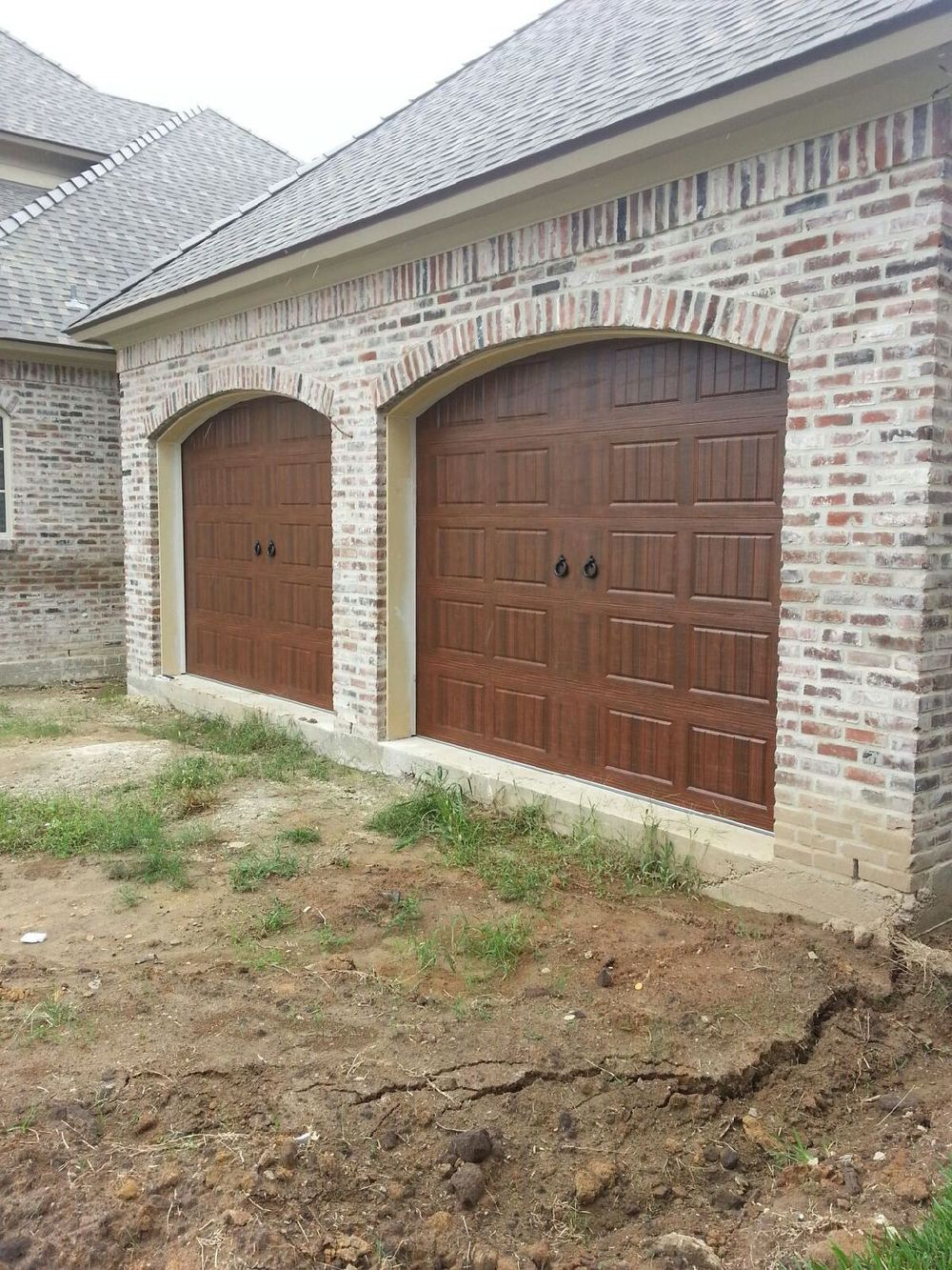Oak Summit Garage Door 4