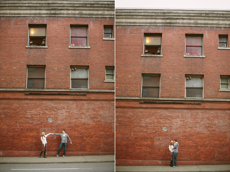 22_Downtown_Portland_Oregon_Engagement_Photo.JPG