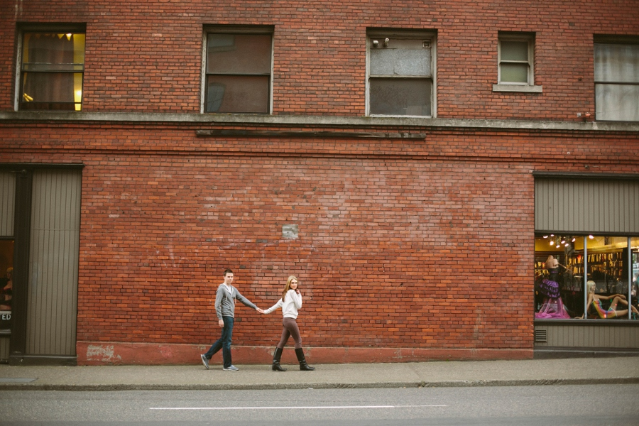 24_Downtown_Portland_Oregon_Engagement_Photo.JPG