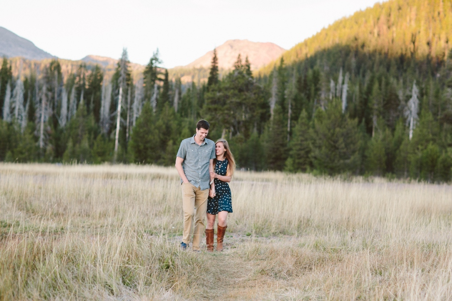 01_Sparks_Lake_Bend_Oregon_Engagement_Photographer.JPG