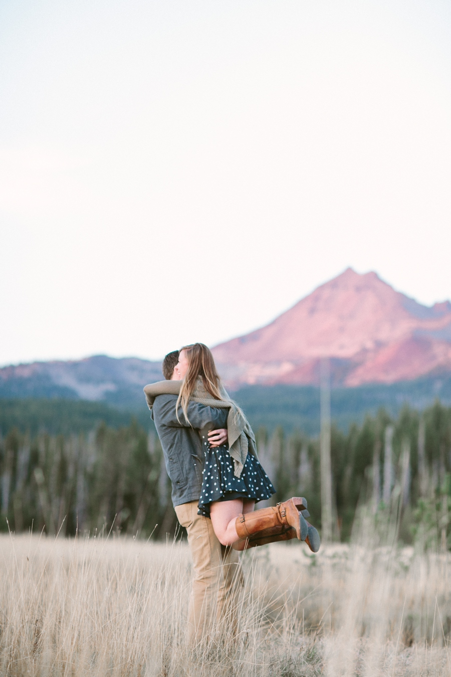 15_Sparks_Lake_Bend_Oregon_Engagement_Photographer.JPG