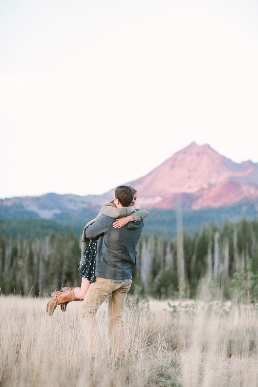 208_Sparks_Lake_Bend_Oregon_Engagement_Photo.JPG