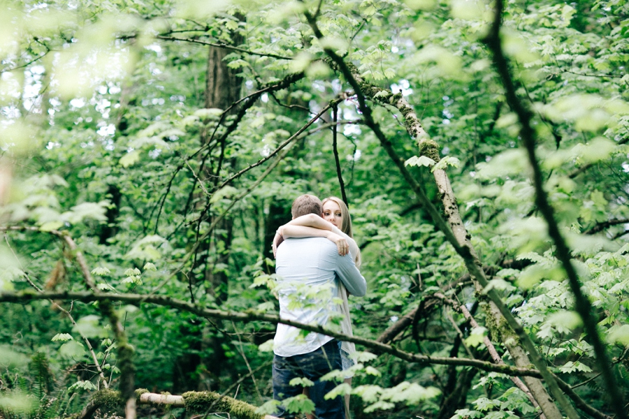 02_Forest_Park_Portland_Oregon_Engagement_Photo.JPG