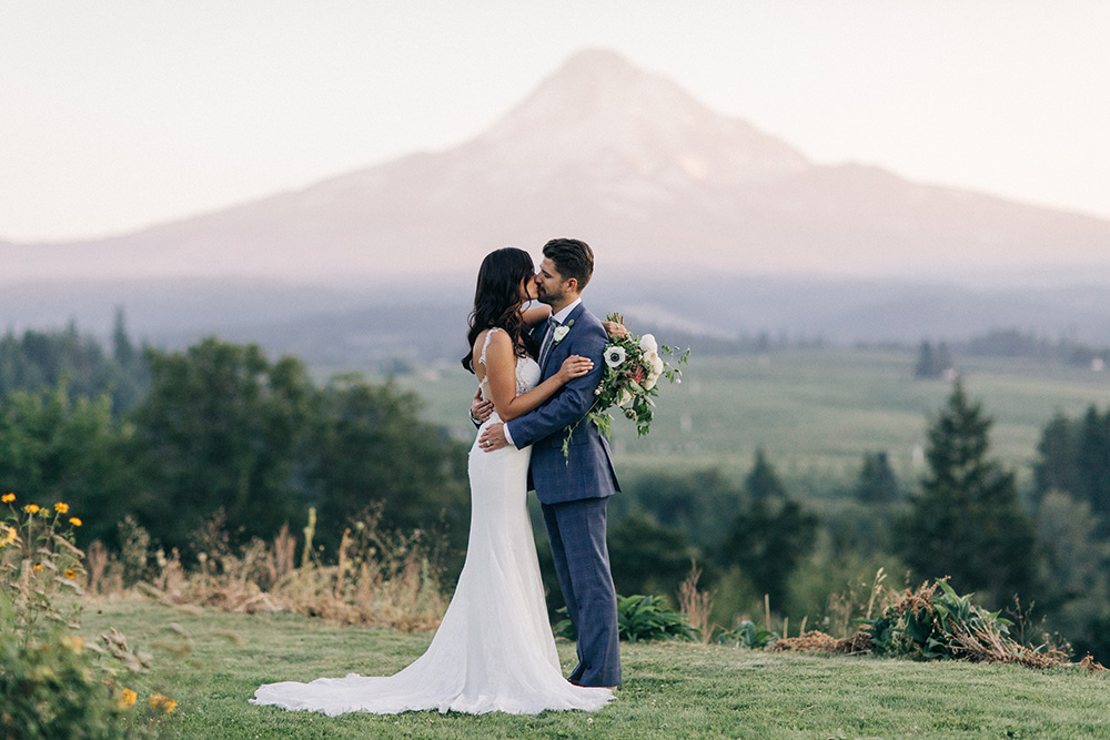 Mt_Hood_Organic_Farms_Hood_River_Oregon_Wedding_Photo_05.JPG