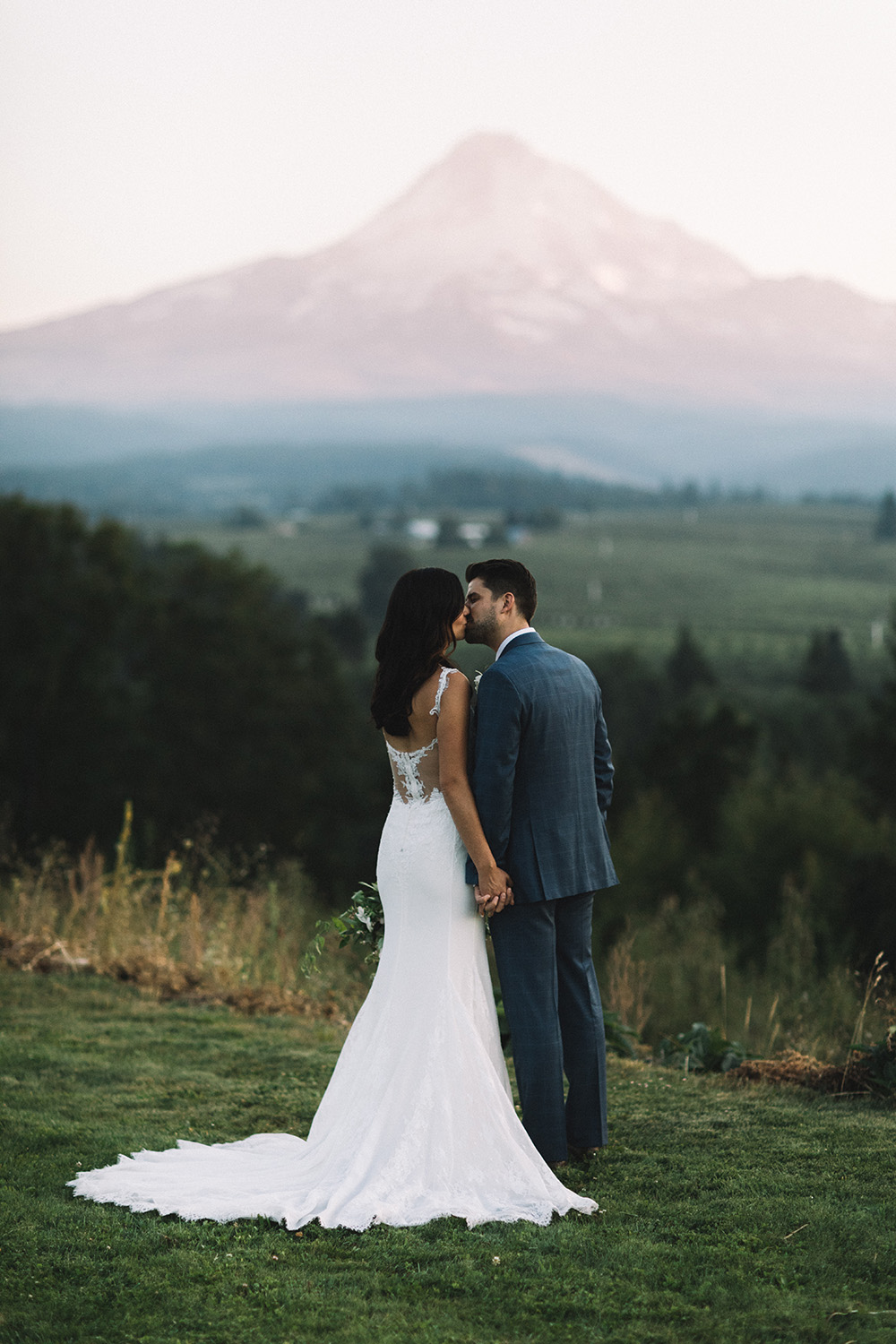 Mt_Hood_Organic_Farms_Hood_River_Oregon_Wedding_Photo_07.JPG