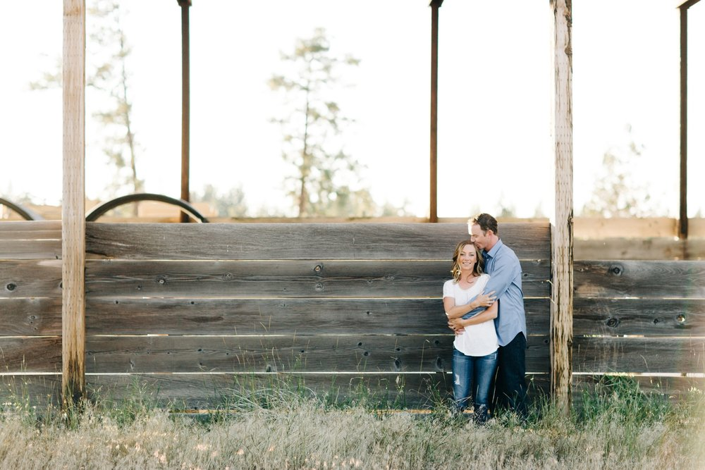Bend-Oregon-Engagement-Session-Photo-01.JPG