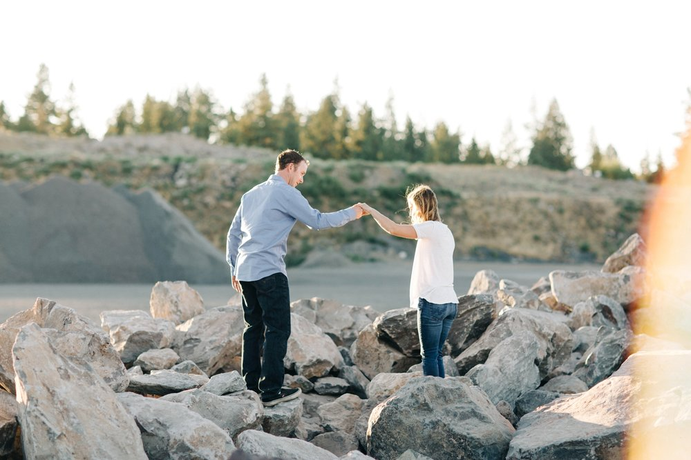 Bend-Oregon-Engagement-Session-Photo-04.JPG