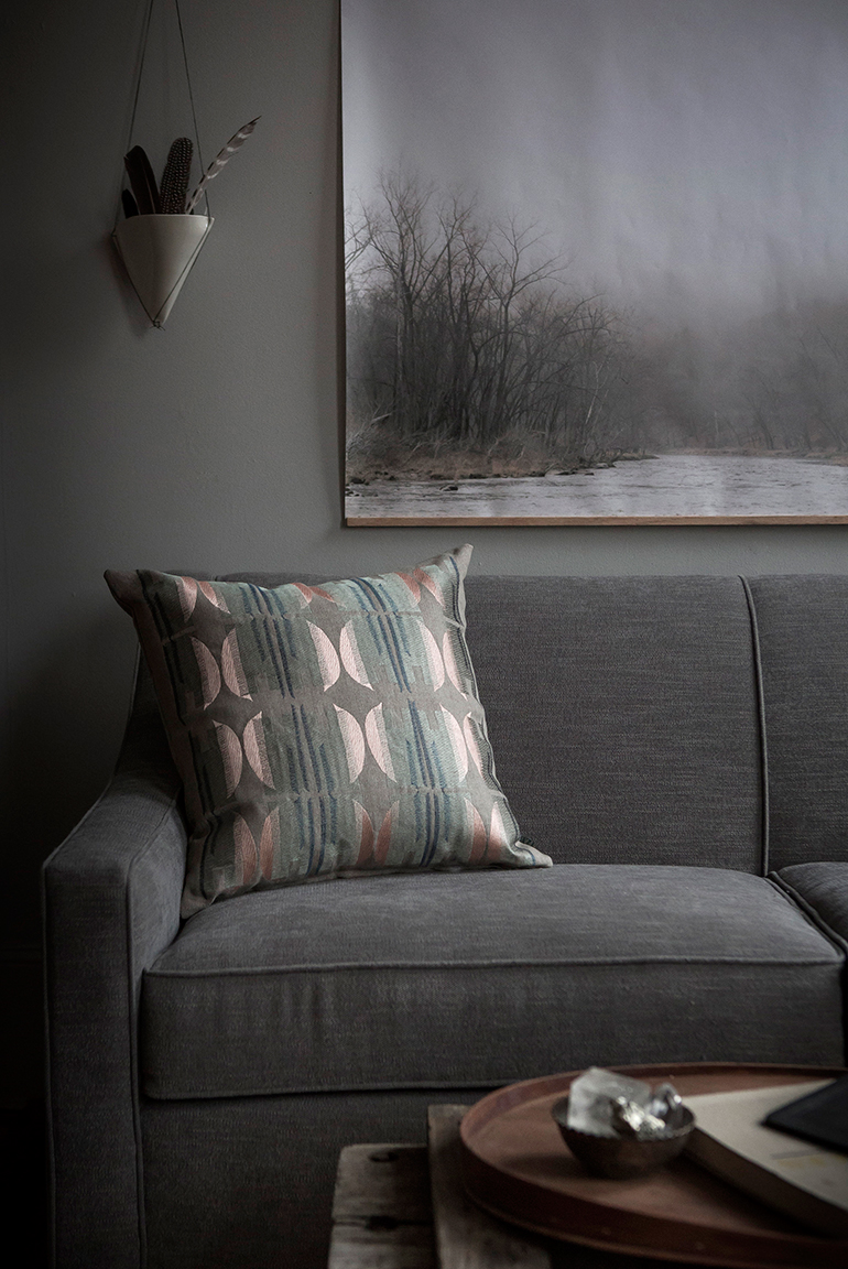 FAYCE_Moon-Pillow-situ.jpg