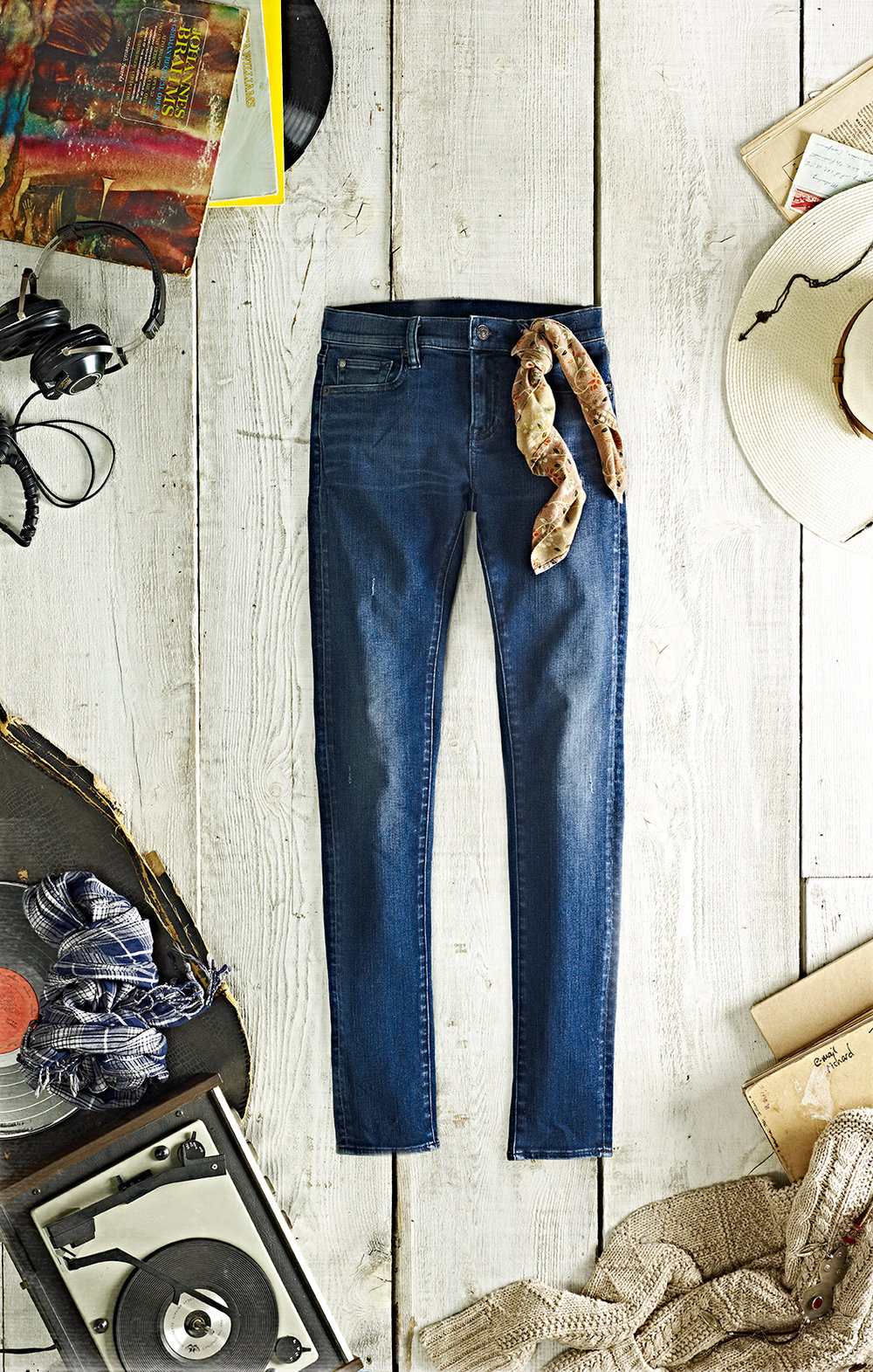 D&S_DenimFitGuide_Women_SuperSkinnyAntero_Front.jpg