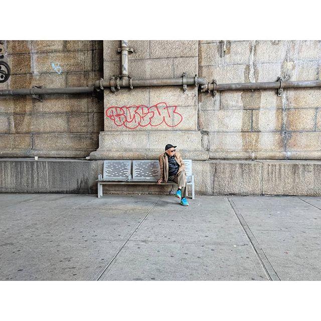 Chinatown, NYC. . . . . #streetphotography #graffiti #manhattandumbo #nyc #newyorkcity #nyny #chinatown #benchlife