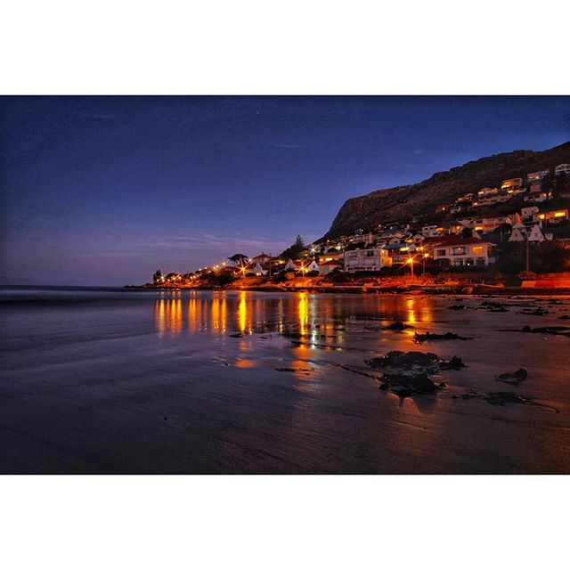 Fish Hoek, South Africa after sunset. . . . #southafrica #capeofgoodhope #africa #fujifilm #xt1 #samyang12mm #wideangle #manfrotto #tripod #beach #sunset #dawn #capepeninsula #capetown #falsebay #atlanticocean