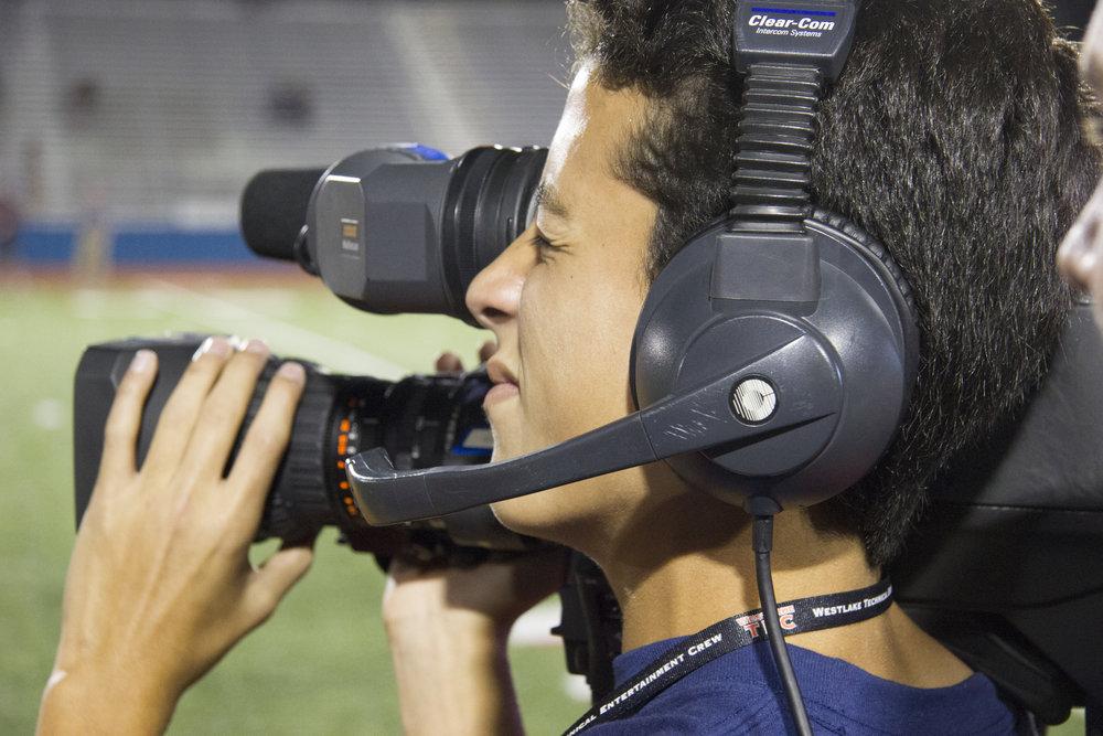Jaden Williams Operating Shoulder Camera b.jpg