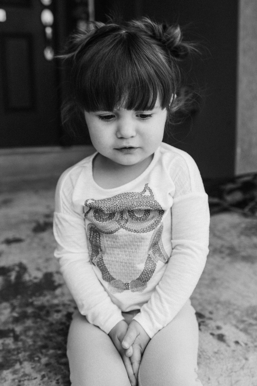 EmmyLowePhotoAnnieLilyDec2013BW-28.jpg