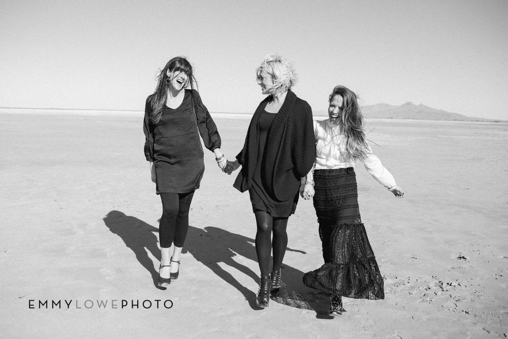 EmmyLowePhotoWife.Life.SocialMediaBW-6.jpg