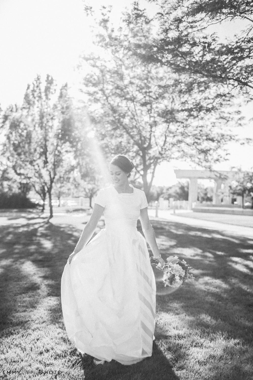 EmmyLowePhotoKatie.Derek.Bridals.BW-29.jpg