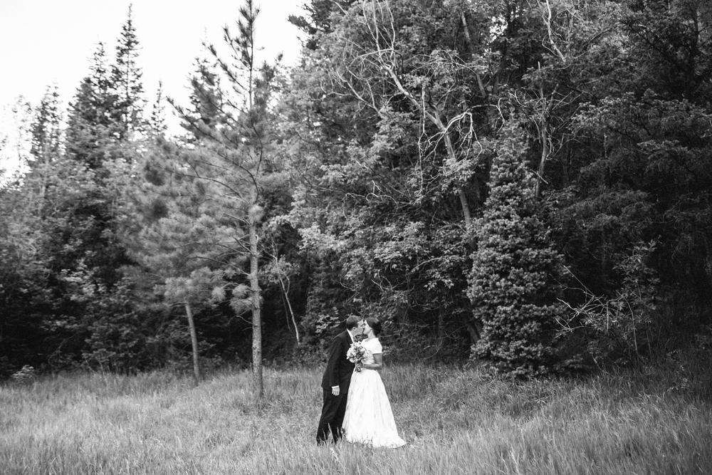 EmmyLowePhotoKatie.Derek.Bridals.BW-103.jpg