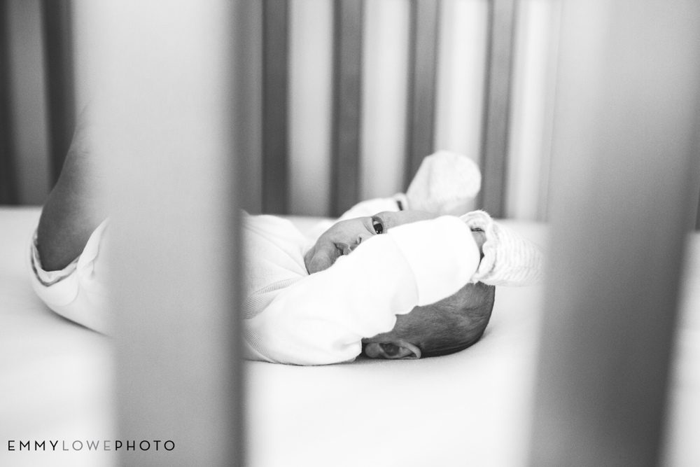 EmmyLowePhotoSarahB.NewbornBW-5.jpg