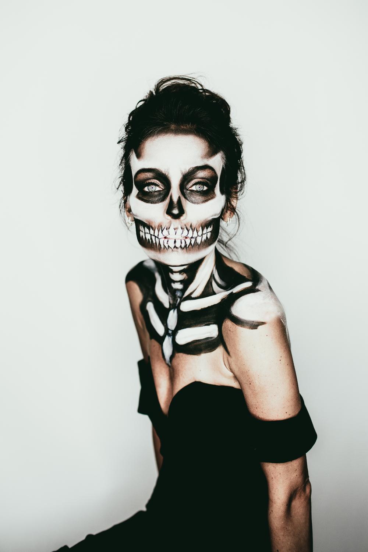 EmmyLowePhotoHalloweenSkeletonNattalieDawn-1.jpg