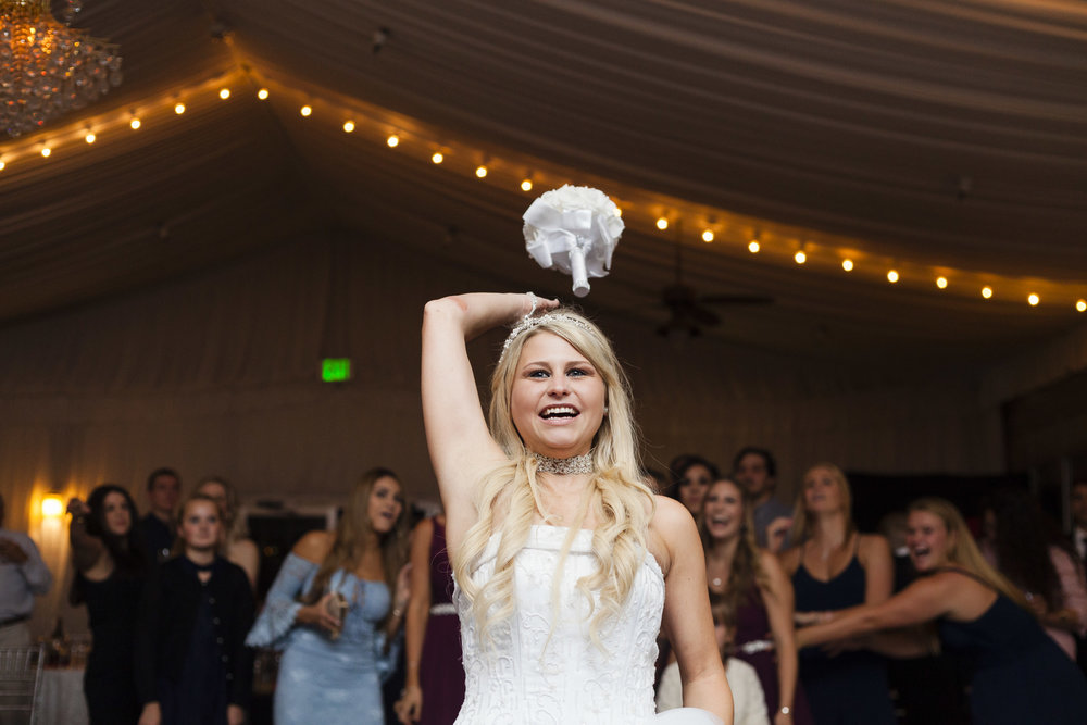 bouquet-toss-wedding-reception-lauren-1.jpg