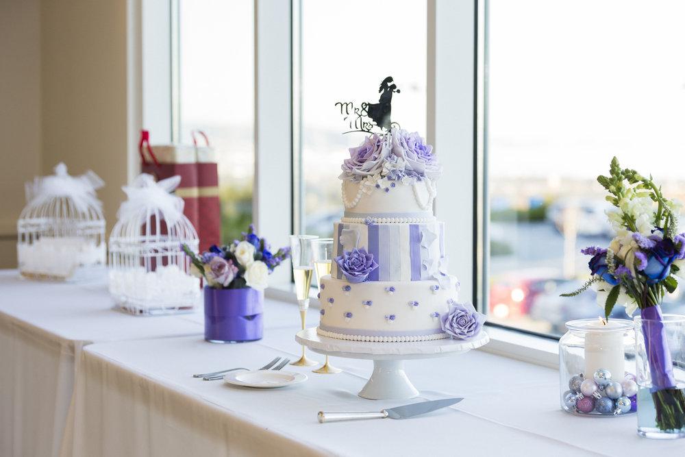 faith-frobie-wedding-cake-decor-1.jpg