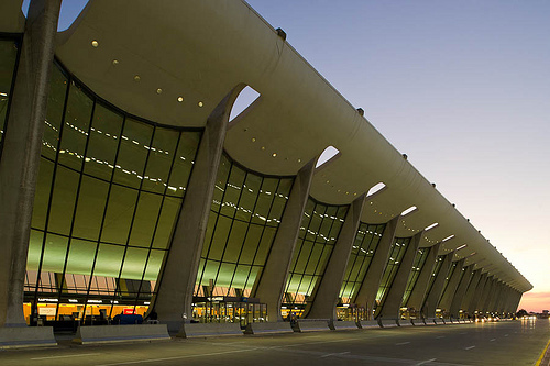 Get Dulles Airport information