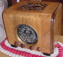 "A favorite of small case radio collectors, a 1938 Zenith model 6S222. Commonly called a ""Cube Radio"". Zenith made a bunch of models in the shape of a square cube. The 6S222 is the largest of the cube models."