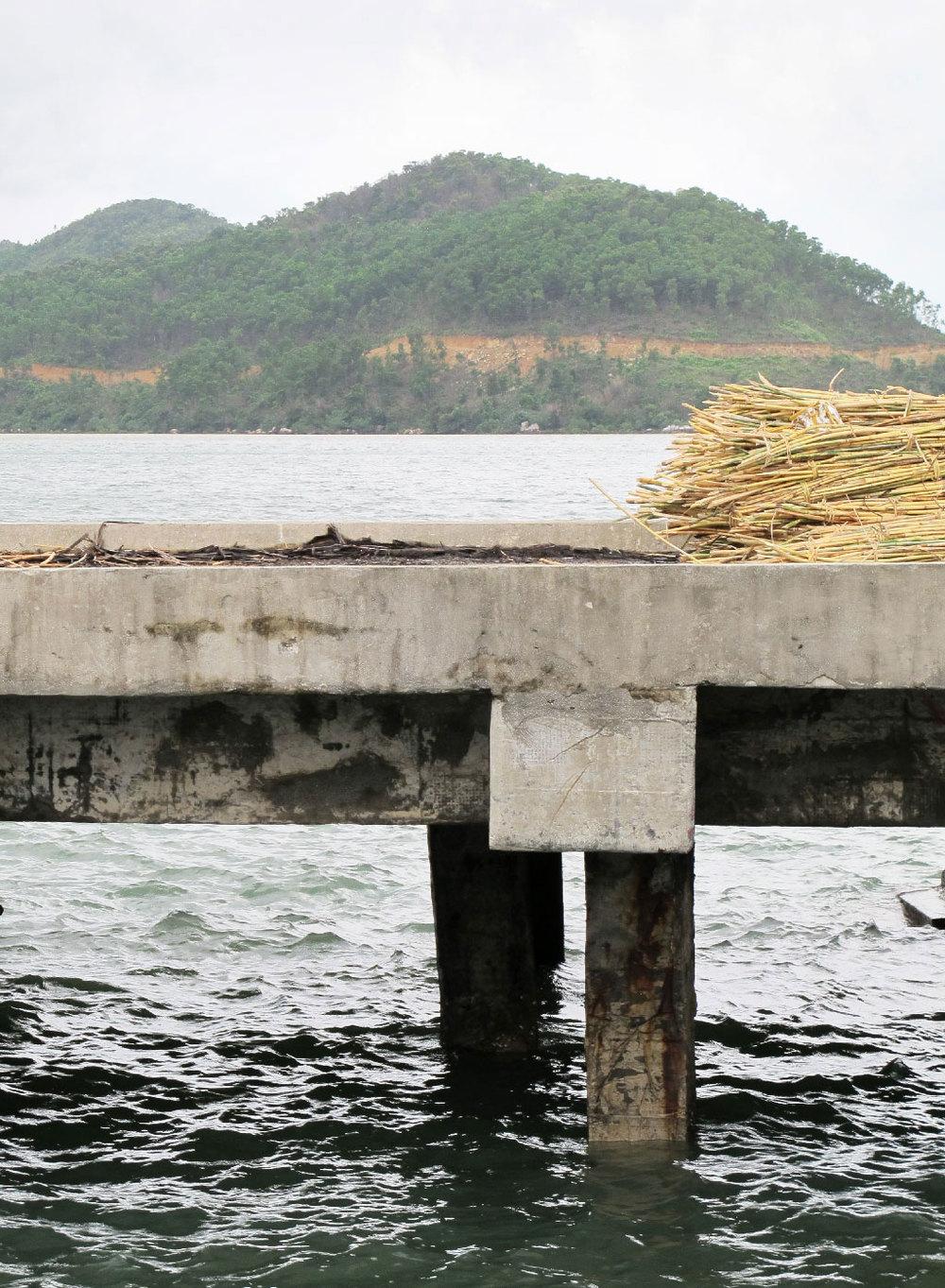 Cement pedestal with bamboo load #vietnam / sergivich.com