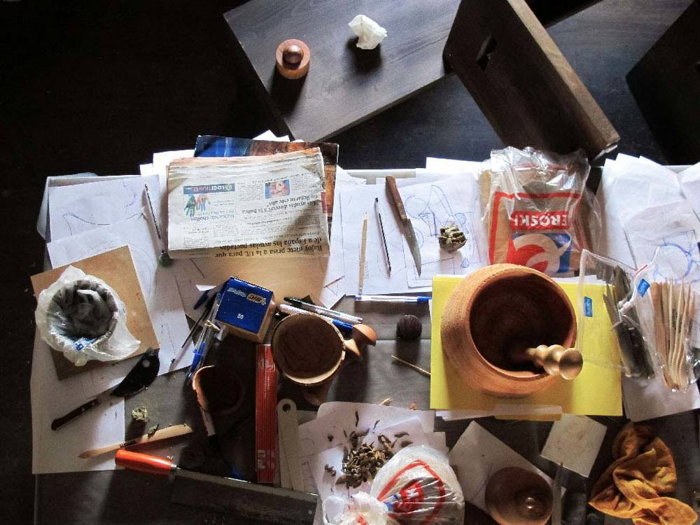 Photo of the work in progress of a turner workshop in Galicia. Photo by Sergi Vich