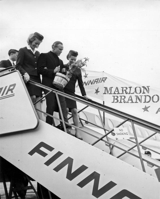 dialab_elokuvatahti_marlon_brando_suomessa_vuonna_1967_kuva_finnair-foto.jpg