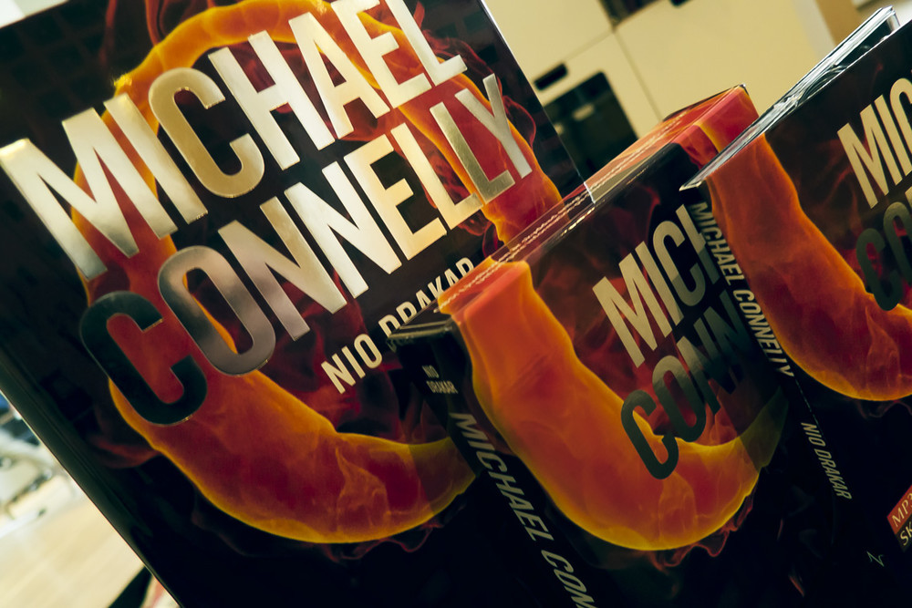 Michael Connelly's Nine Dragons, swedish version.