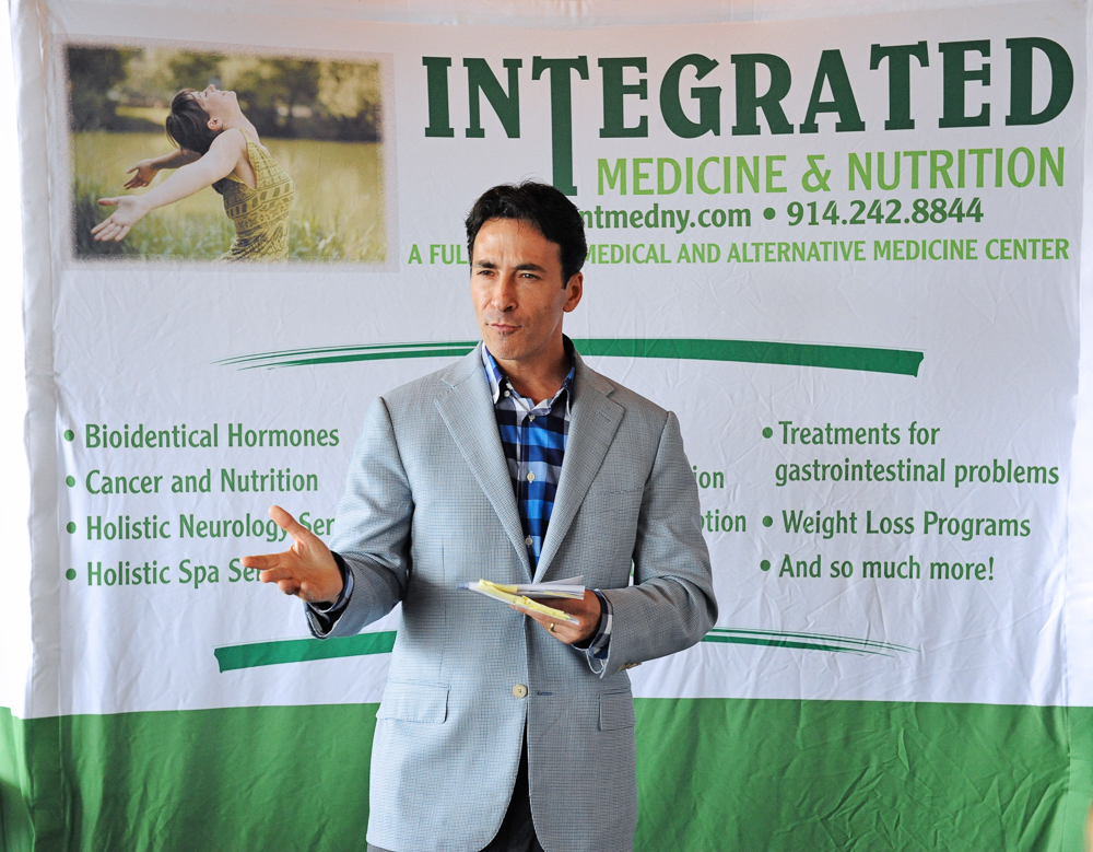 Dr. Wald discusses GMO dangers...hay, he looks a little like Captain Kirk in this shot!